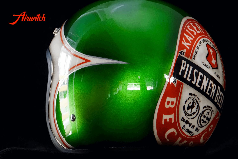 Custom Painting Helm als Becks Bierflasche mit Etikett in candygruen