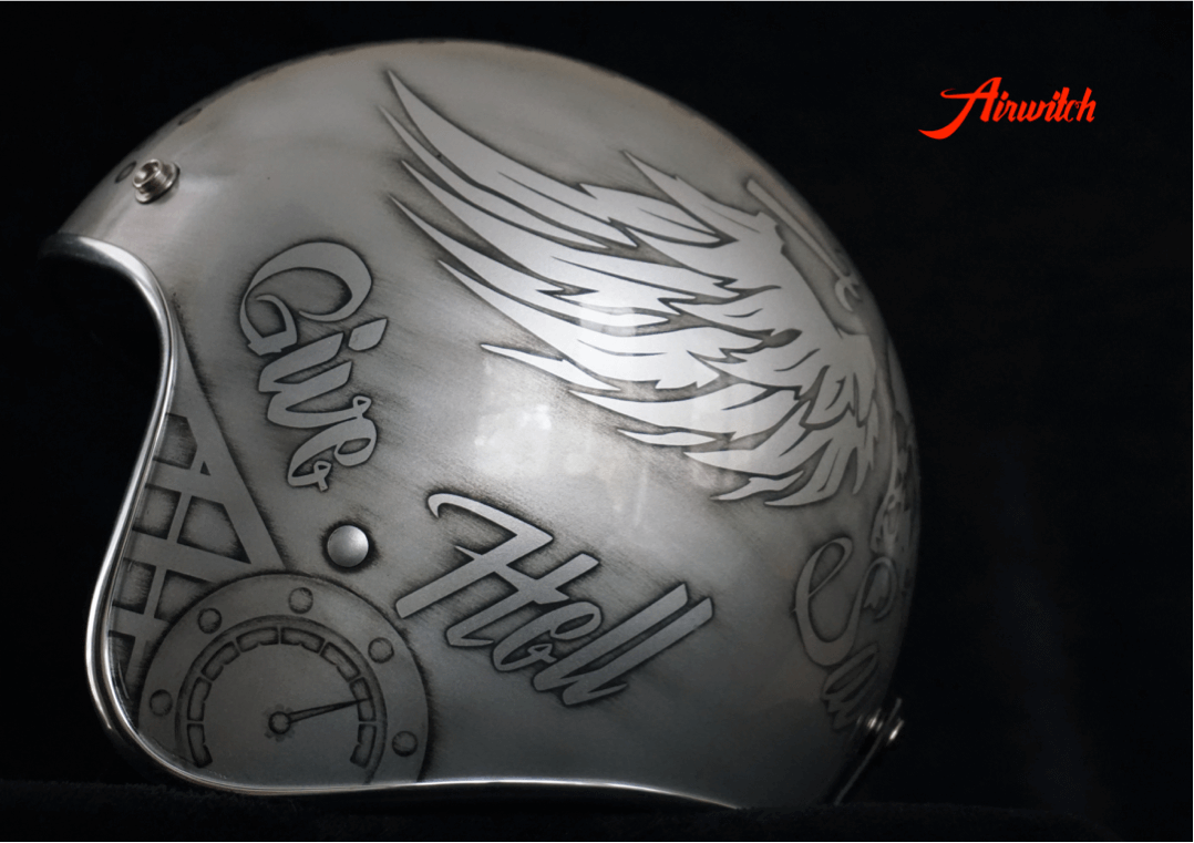 Custom Painting Helm mit Skulls und Wings in silber-anthrazit