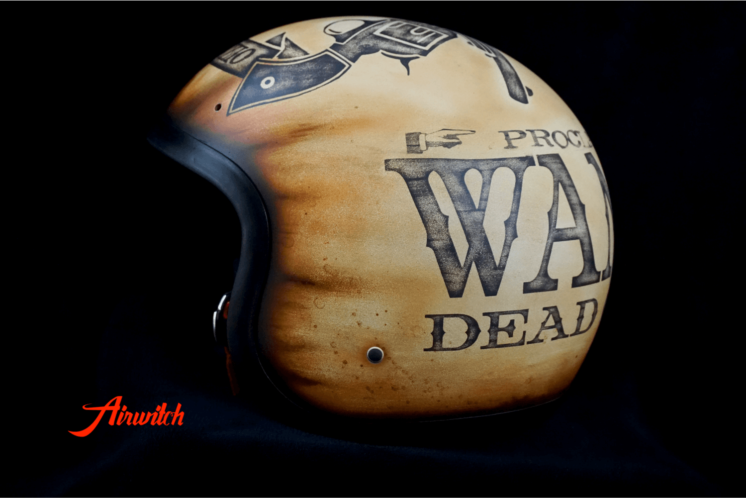 WANTED - DEAD OR ALIVE: Custom Painting Helm mit Designlackierung