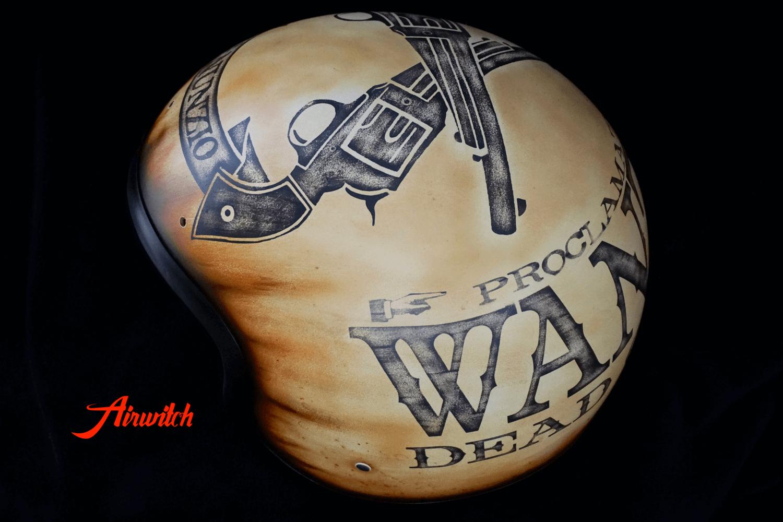WANTED - DEAD OR ALIVE: Custom Painting Helm mit Designlackierung mit Klarlack, matt