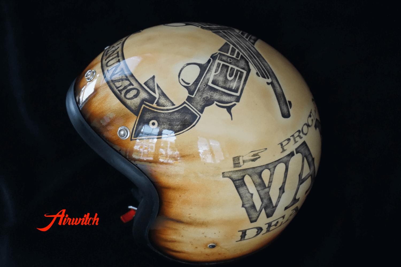 WANTED - DEAD OR ALIVE: Custom Painting Helm mit Designlackierung mit Klarlack, glänzend