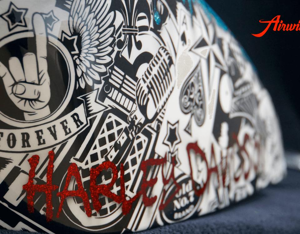 Custom Paint rote Metalflakes Harley Davidson Sportster Tank mit Rock n Roll Motiven