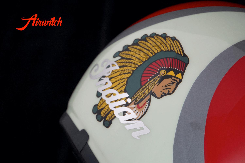 Custom Paint Retro Helm Indian Morocycle mit Streifen und Indianer in rot und pastellgrün mit Shell Logo als Airbrush