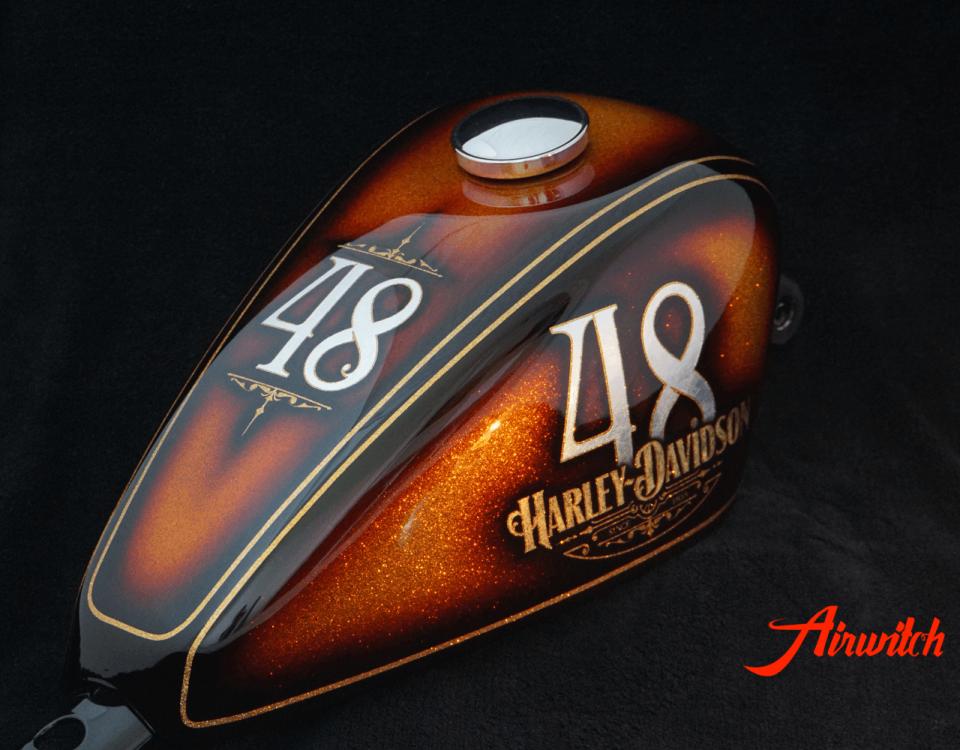 Harley Davidson Oldschool Metalflakes Peanut Tank Sportster 48 Custom Paint in Gold-Braun