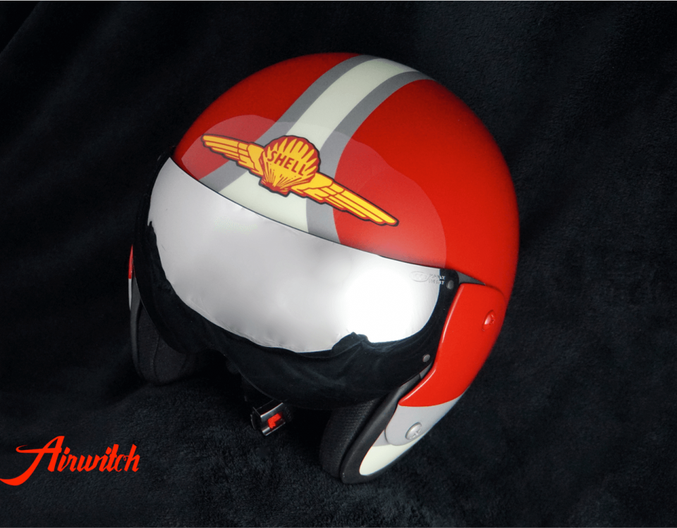 Custom Paint Retro Helm Indian Morocycle mit Streifen in rot und pastellgrün mit Shell Logo in Airbrush