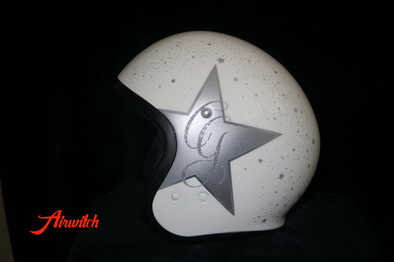 """Custom Paint Helm """"Just married"""" mit Sternen Airbrush und Metalflakes in weiß-silber zur Heirat & Verlobung"""