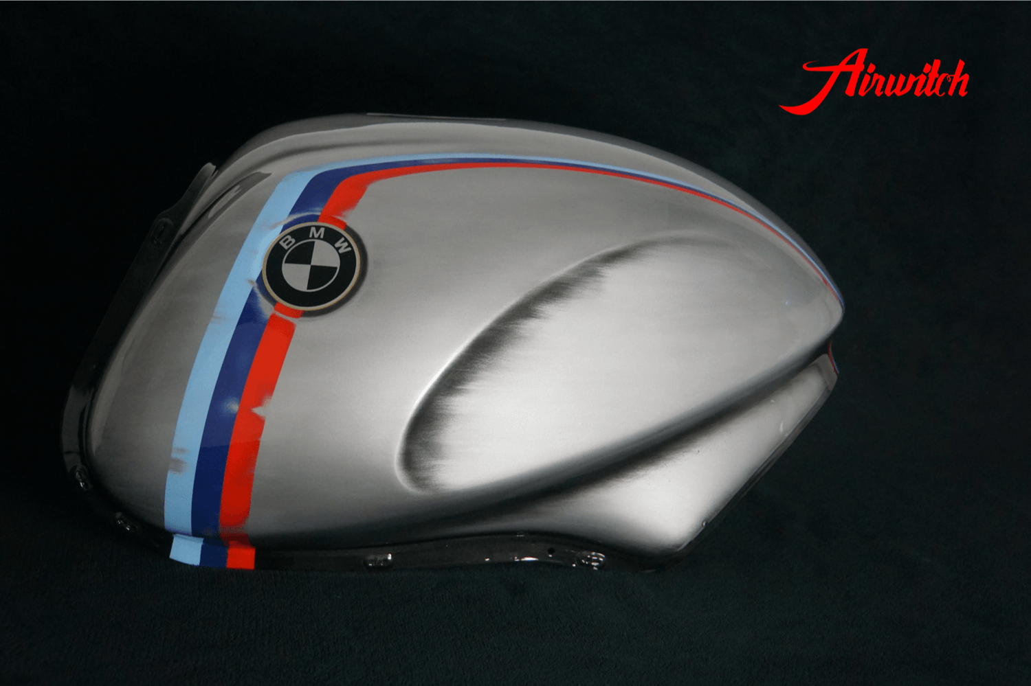 BMW R1100-RS Tank Lackierung BMW Farben in silber mit Used Look
