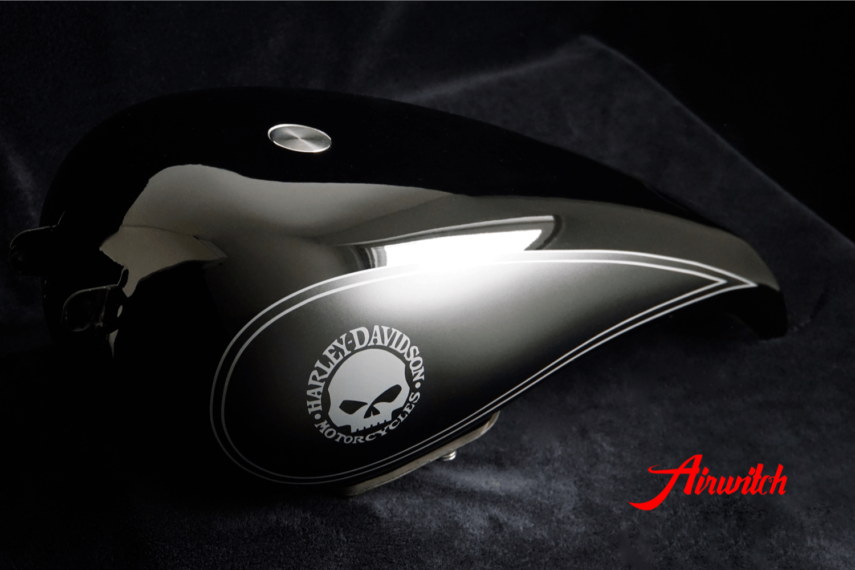Custom Paint Harley Davidson Breakout Strech Tank Lackierung Black Klarlack matt glossy clearcoat Logo Schriftzug Totenkopf