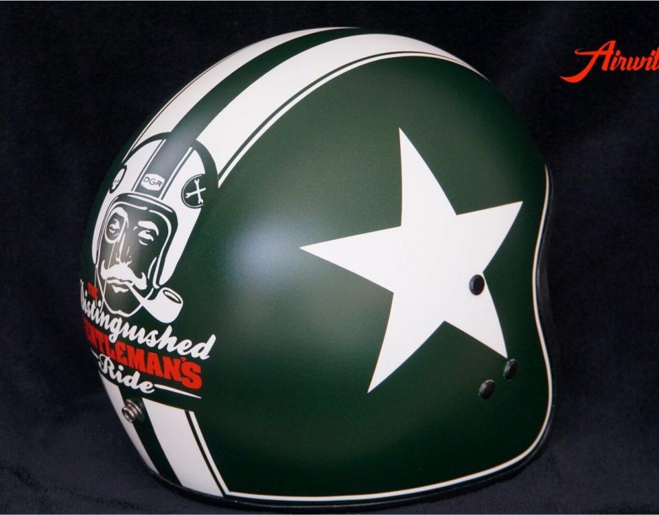 Custom Paint Helm grün mit Airbrush, Stern, Streifen und Gentlemans Ride Logo