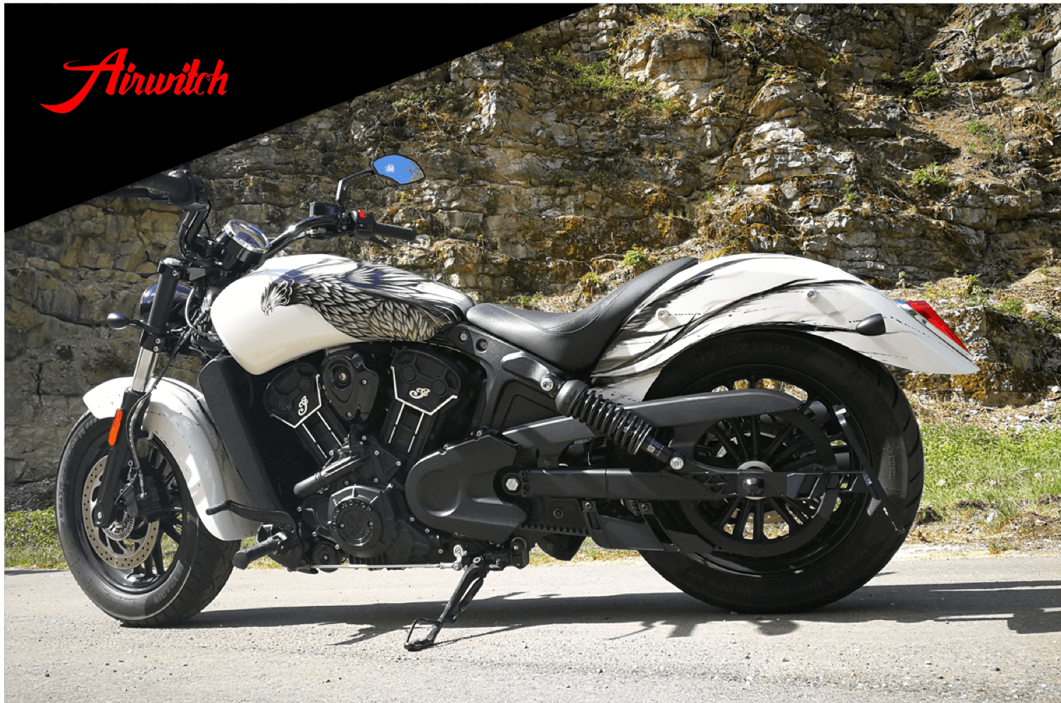 Custom Paint Indian Scout Sixty weiss Vogel Phoenix Airbrush Lackierung