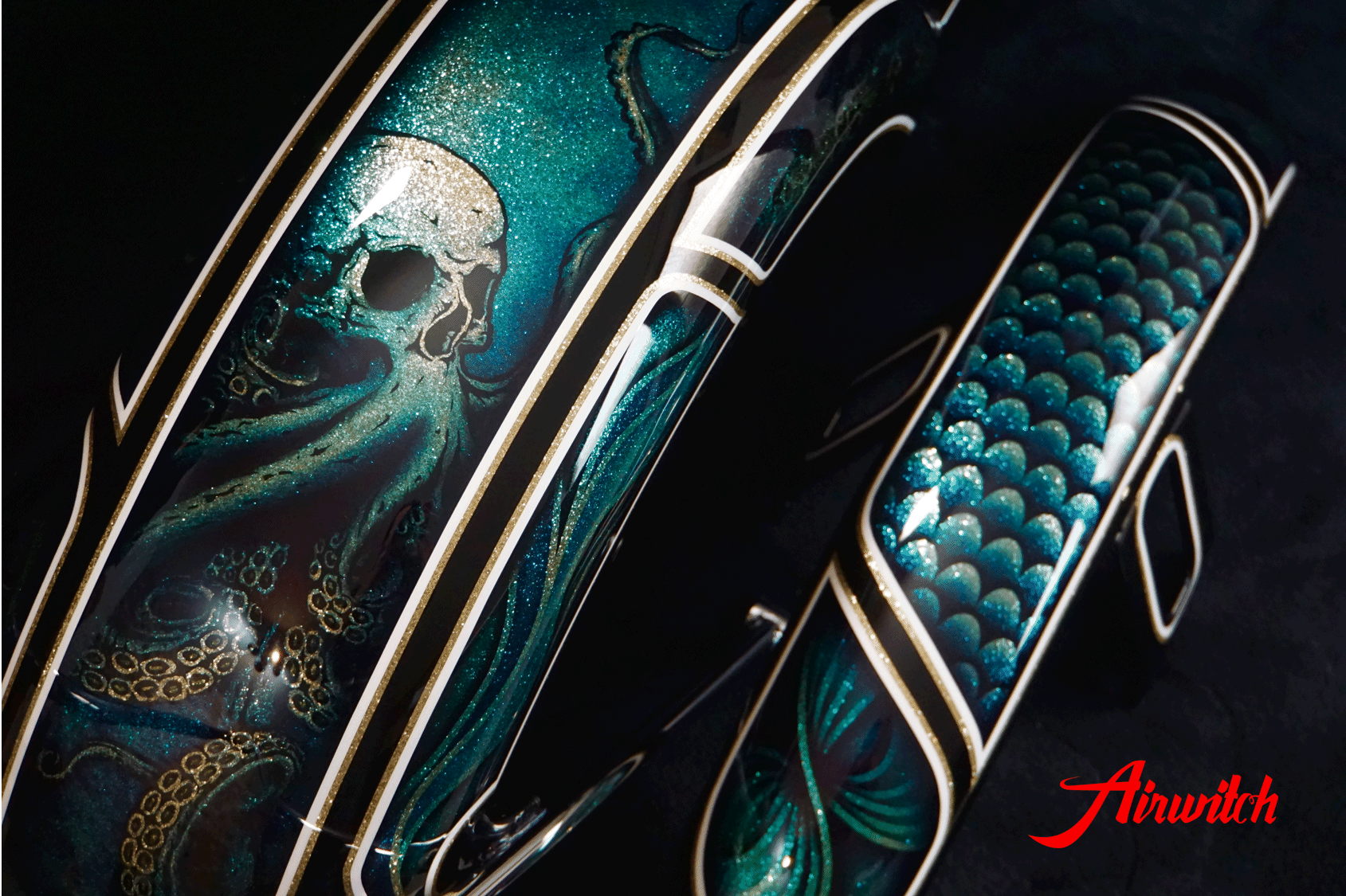 Custom Paint Harley Davidson Softail Metalflake Lackierung with octopus skull ocean blue turquoise gold black