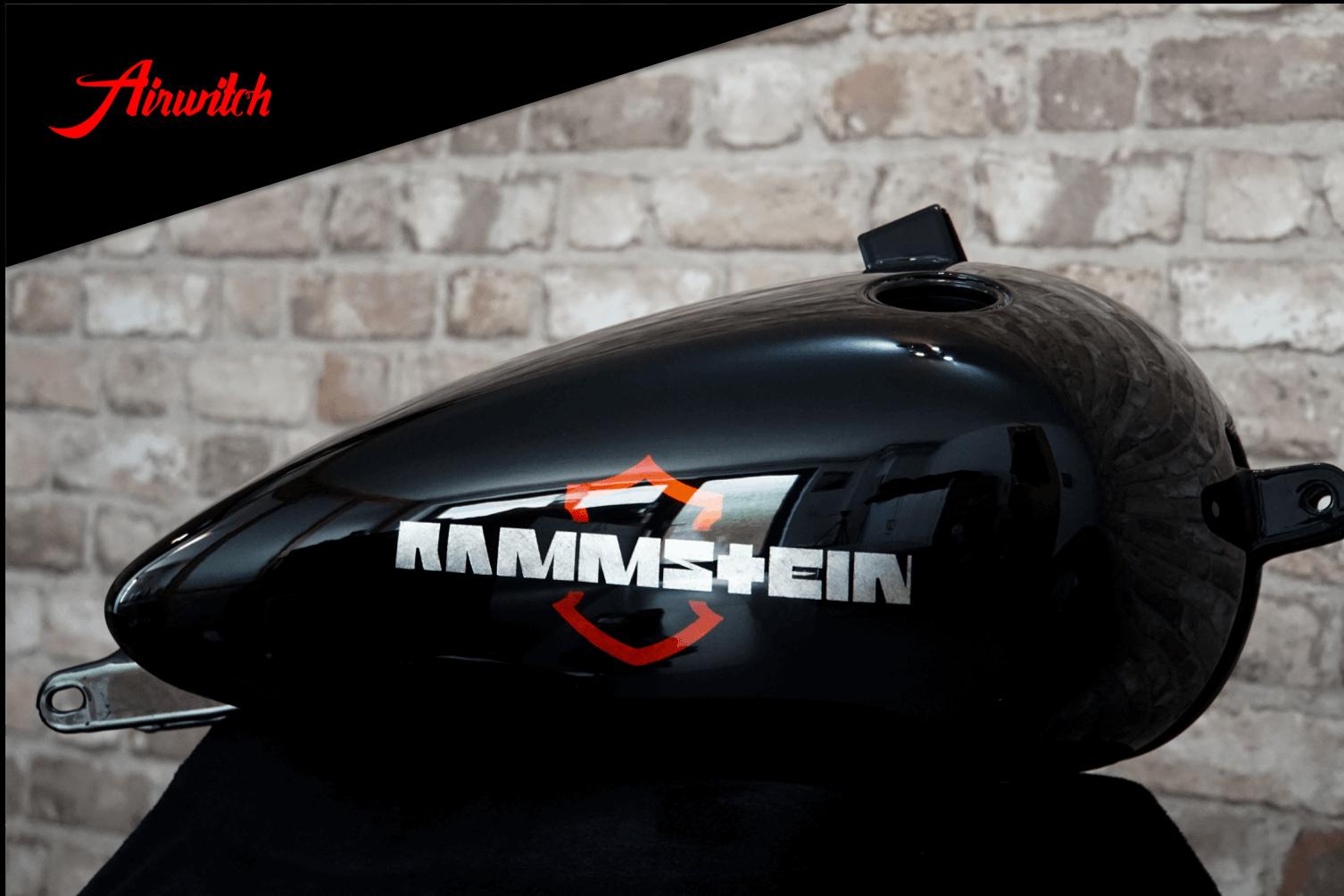 Custom Paint Harley Davidson Fat Bob Tank Lackierung Rammstein rot schwarz Blattsilber Airbrush
