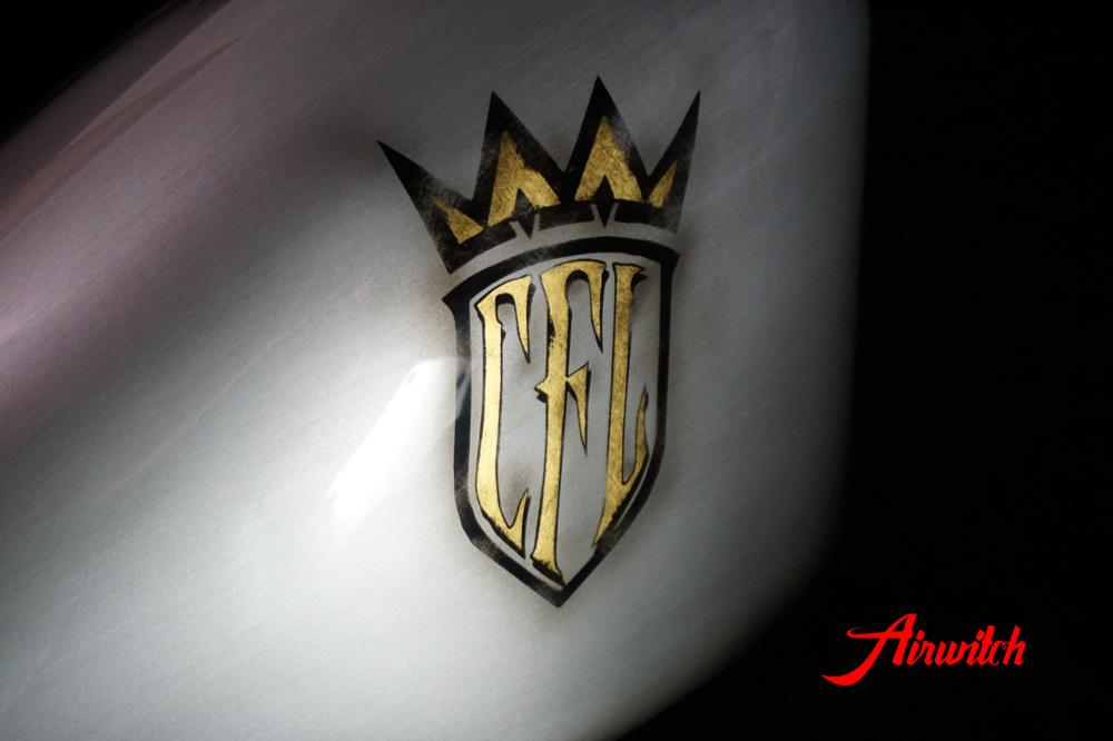 Custom Paint Chopper for life Lackierung mit CFL Logo gold silber mit Spinnennetz