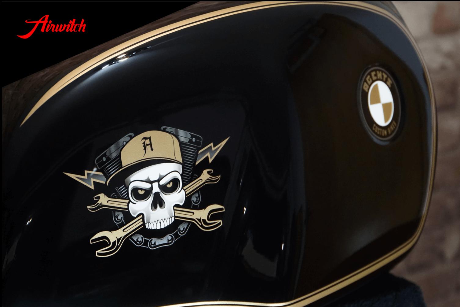 Custom Paint BMW R80 Cafe Racer Lackierung Linierung Agents Custom Bikes Berlin Gold Black